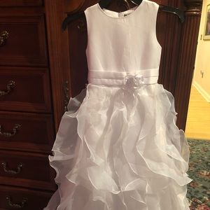 Other - NWTS white Flower Girl long layer dress size 6
